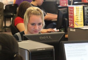 Student at computer lab